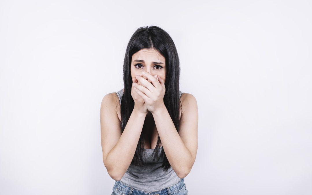 ¿Manchas en los dientes? Te ayudamos a evitarlas