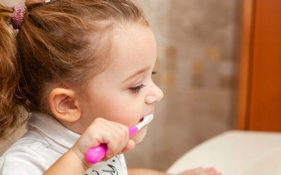 Beneficios y posibles riesgos del flúor en los más pequeños