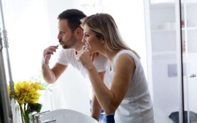 Cómo, cuándo y cuánto cepillarte los dientes para lucir una dentadura perfecta